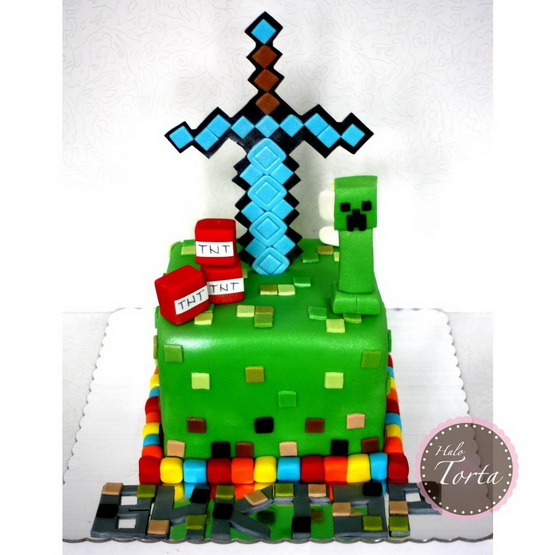 Minecraft torta sa macem i Creeper-om